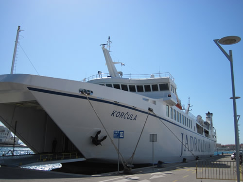 【写真】コルチュラ島行きのフェリーに飛び乗った。