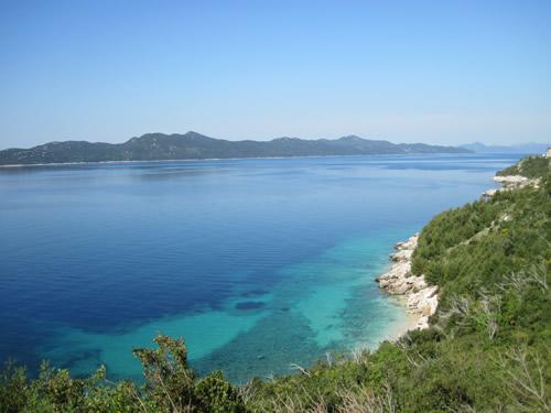 【写真】アドリア海に浮かぶ島々はクロアチア特徴。