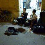 【写真】柔らかムードで辺りを包む二人の演奏。