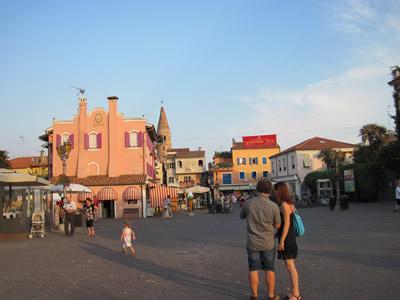 【写真】こじんまりとした海沿いの街カオルレ