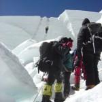 【写真】エベレストの難関アイスフォールのルートには渋滞が起こっていた。