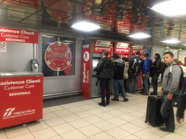 【写真】乗車券はトレニイタリアの自動発券機で購入できる