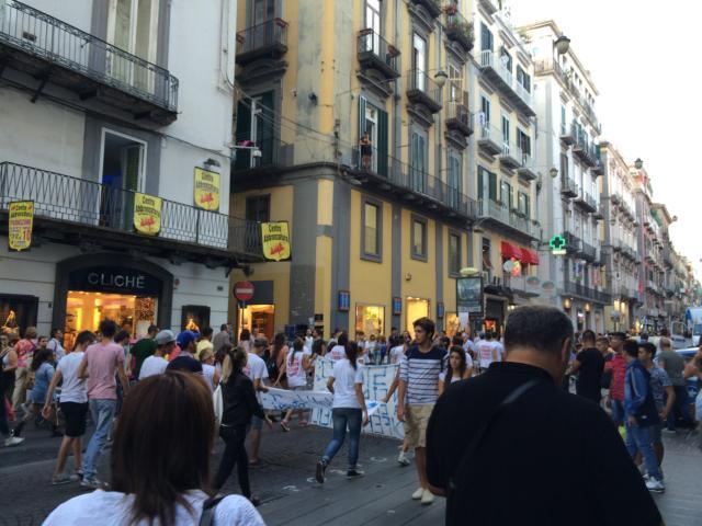 【写真】ナポリ新市街の目ぬき通りToledo通り