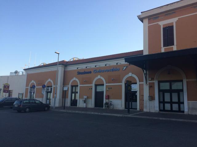 チビタベッキアの鉄道駅