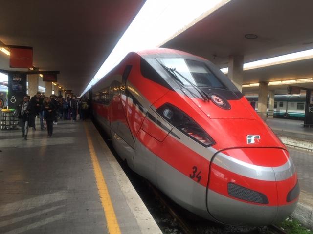 【写真】Trenitaliaの特急フレッチャロッサ