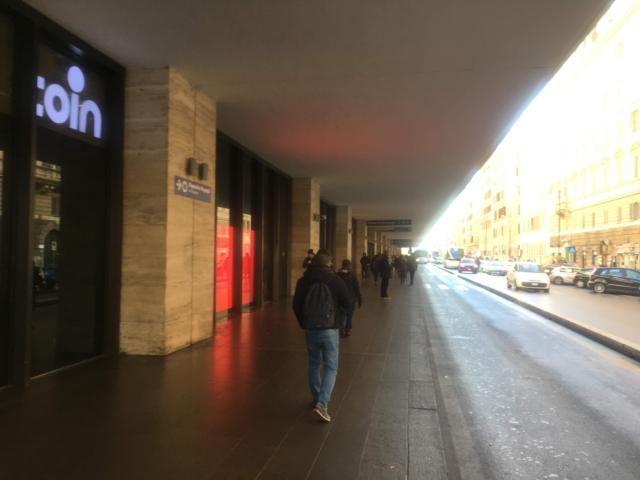【写真】ジョリッティ出口を出て左方向に進む