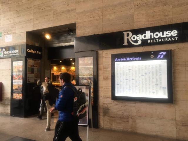 【写真】ローマ・テルミニ駅Roadhouse grill