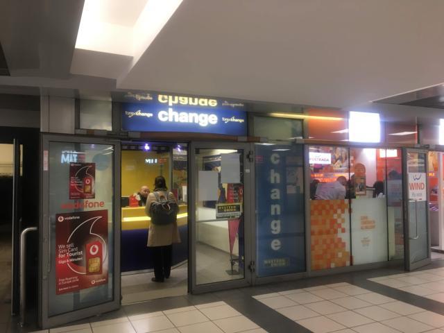 テルミニ駅地下にある両替所