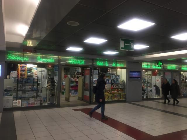 【写真】テルミニ駅地下にある薬局