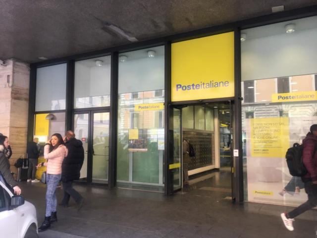 テルミニ駅にある郵便局