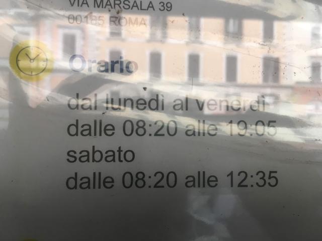 ローマ・テルミニ駅郵便局の営業時間