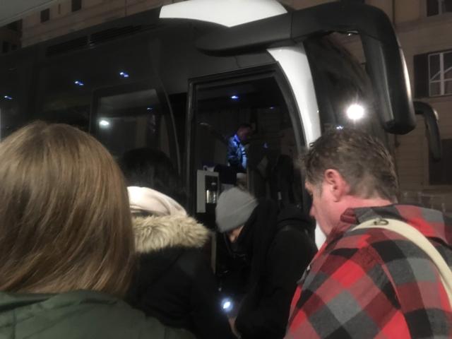 【写真】バスのチケットはバスの乗り口で買える