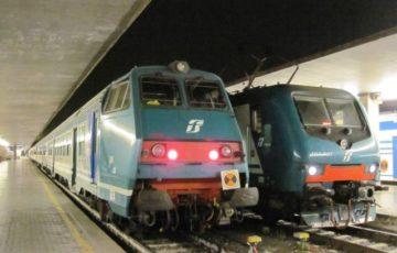 【写真】イタリア・鈍行電車はリッジョナーレ