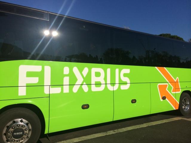 【写真】長距離バスならFLiXバスがお勧め。