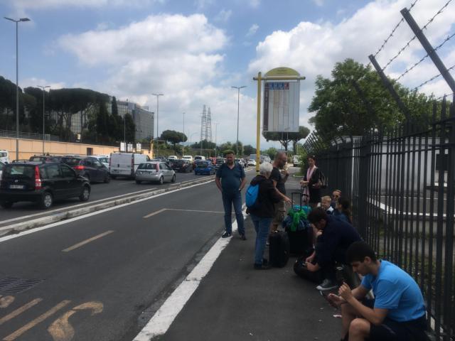 【写真】cinecitta駅地上のバス停がすぐにあります