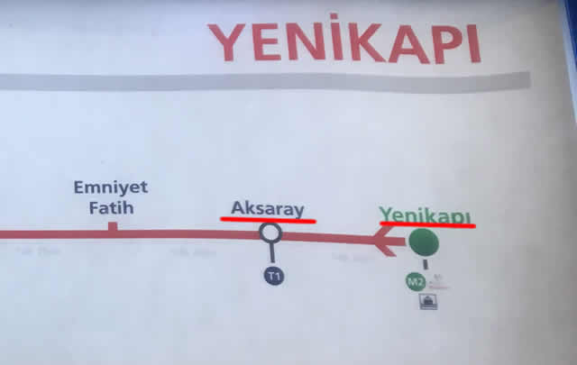 Yanikapiから乗車すぐ次のAksarayで下車