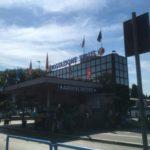 多くのバスが発着ティブルティーナ・バスステーション