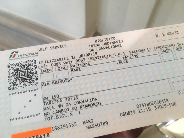 バーリからレッチェの鈍行チケット10.8ユーロ