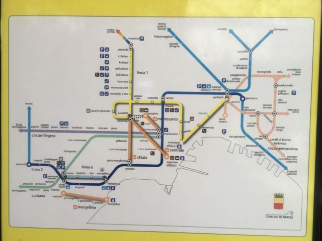 ナポリ近郊の路線図