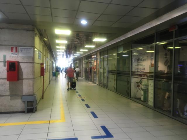 24番ホーム方面から延びるCo.s.Lucci出口