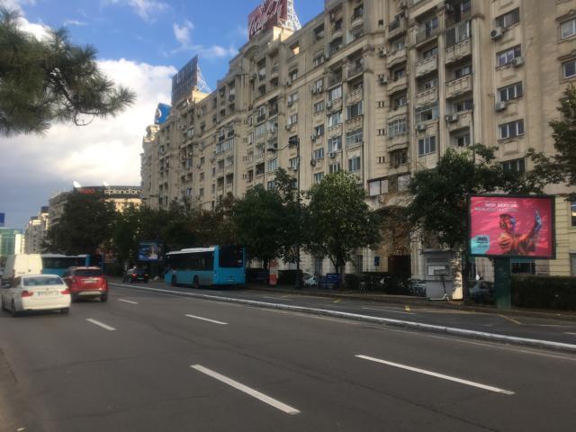 【写真】バス783番はピアツァ・ウニリィの南のバス停から出発
