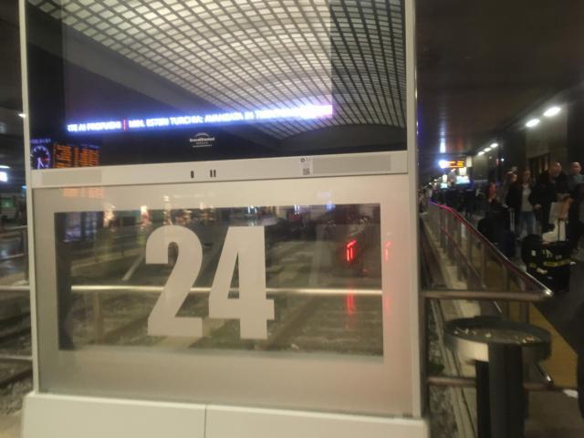 レオナルドエクスプレスはテルミニ駅24番ホームに停車
