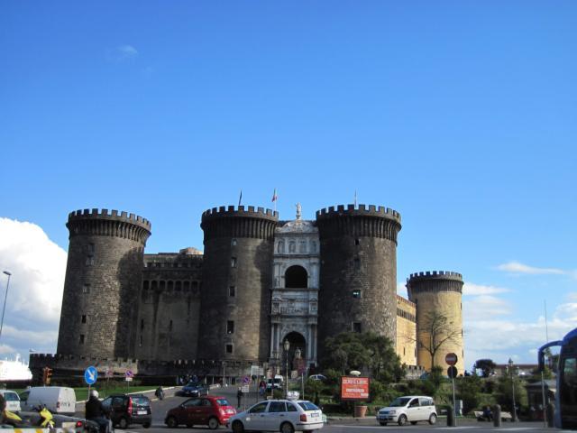 見どころも多いナポリの街