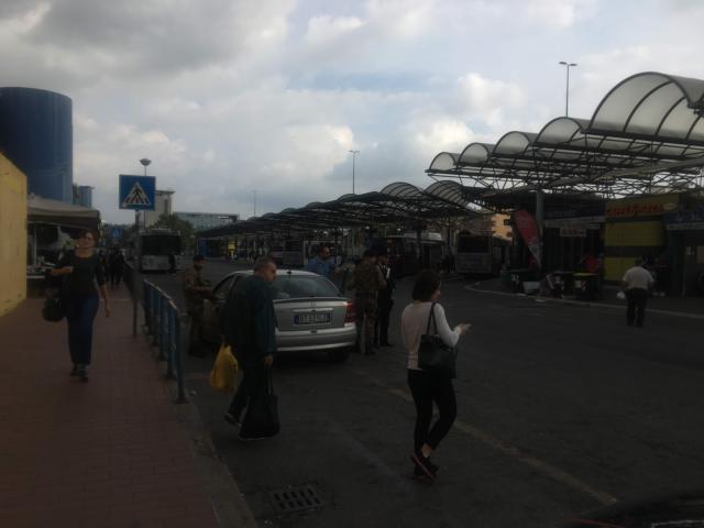 【写真】Laurentina駅外のバス停留所