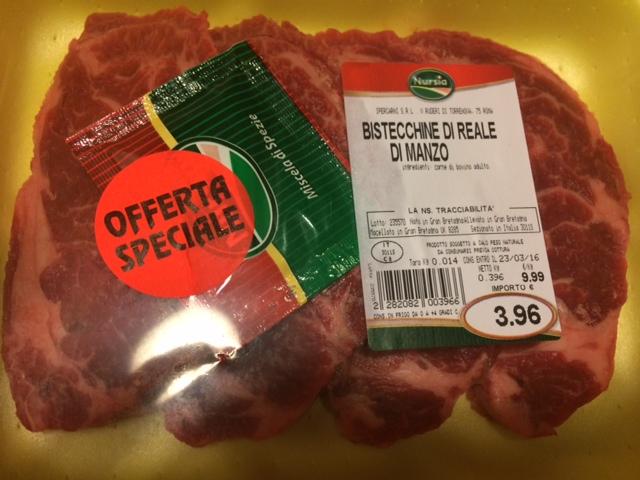 【写真】Ipercarniで購入のお肉。