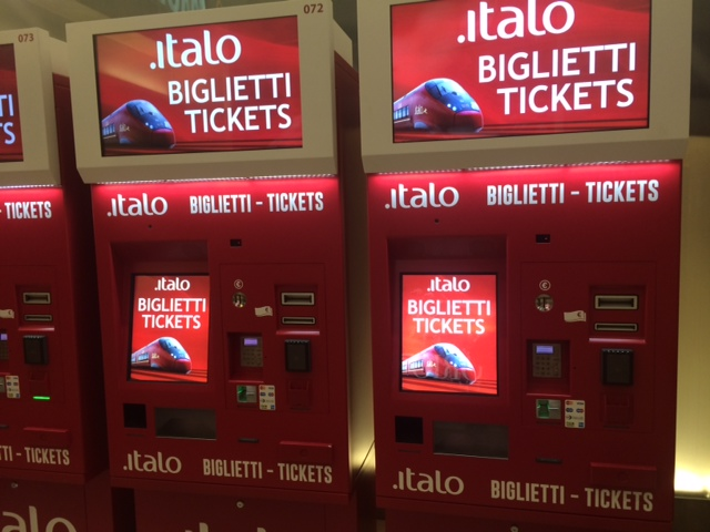【写真】italoイタロのチケットは自動発券機で買いました。