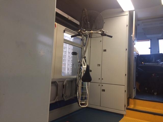 【写真】イタリアの電車は自転車を簡単に積める。