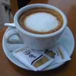 【物価調査】アルバニアでの物価。飲み物、軽食など旅行者向きの6品目。