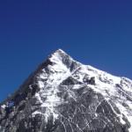 【エベレスト登山】常識では考えられない、遺体が放置される場所。