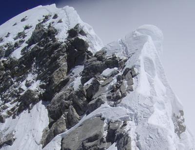 【写真】エベレスト登山では有名すぎるヒラリー・ステップ。