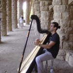 【大道芸】路上のミュージシャン ハープ 竪琴