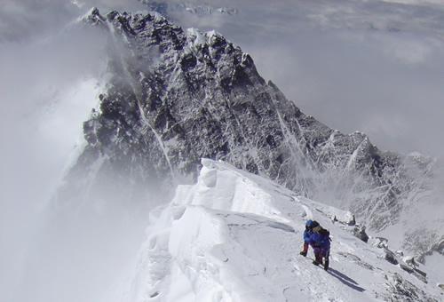 エベレスト頂上直下の尾根