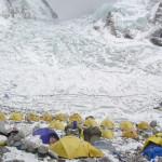 【エベレスト】深刻化するエベレストのゴミ・排泄物問題。