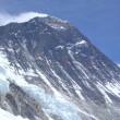 【写真】世界最高のエベレストは登山家を魅了して止まない。