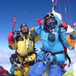 【エベレスト登山】2014年中国人女性がヘリコプターを利用し南東稜から登頂。