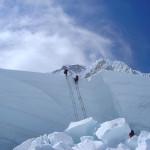 【エベレスト登山】簡単解説。2014年の雪崩はなぜすべての登山を中止させたか。