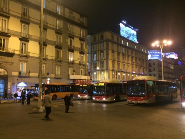 【写真】バスを利用するとナポリの移動が簡単